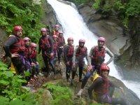 Una foto di gruppo nel Torrente Nonaj