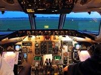 in cabina di pilotaggio