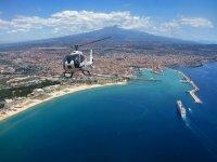 Volo su Napoli in elicottero