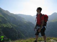 A piedi tra i monti