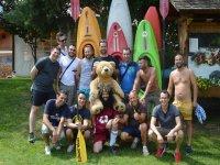 Foto di gruppo con il kayak