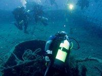 Visitando i relitti marini