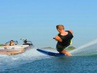sciando sull'acqua