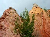 The bauxite rocks