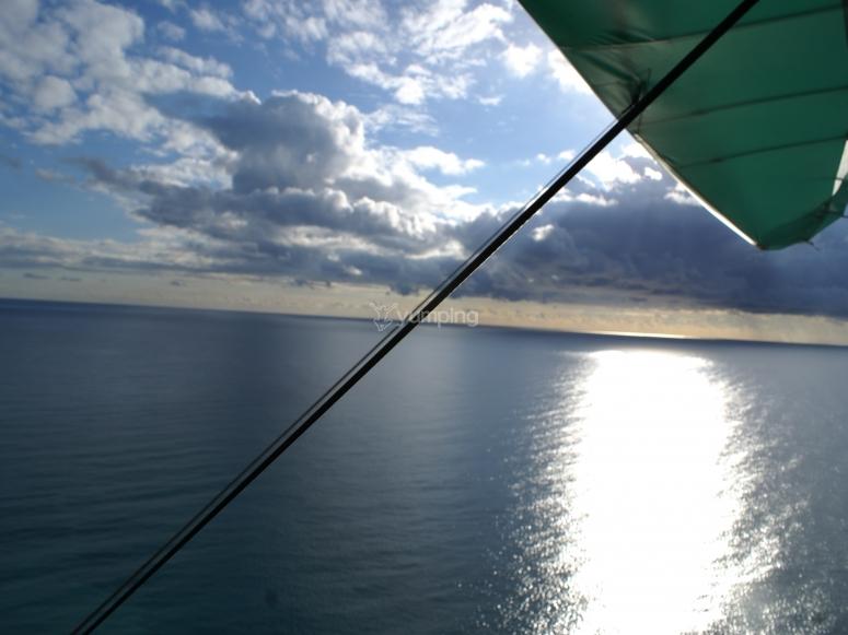 Il mare dal deltaplano