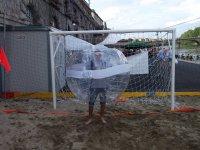 Bubble football sulla sabbia