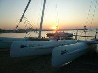 In catamarano al tramonto