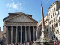 Il Pantheon nella sua immensitá