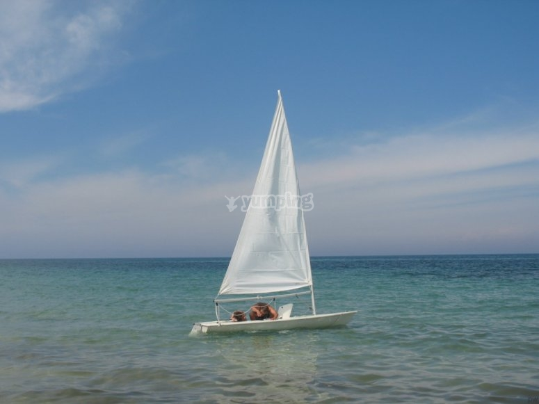 In mare con la vela