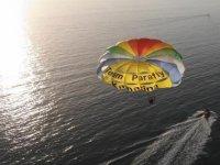 parafly al tramonto