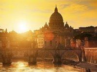 La bellezza unica di Roma al tramonto