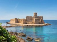 Le Castella by day