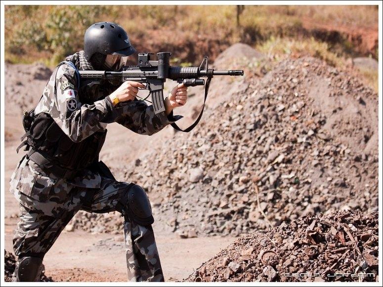 Giocatore pronto a sparare