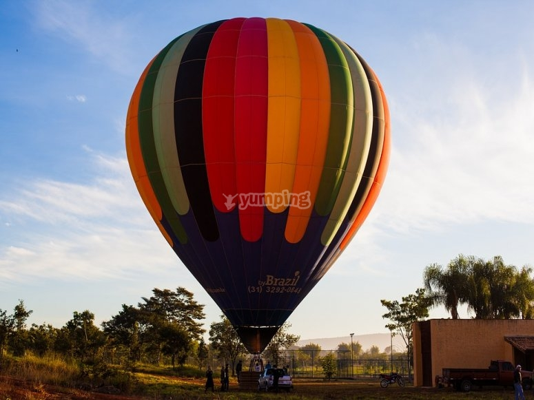 Una colorata mongolfiera