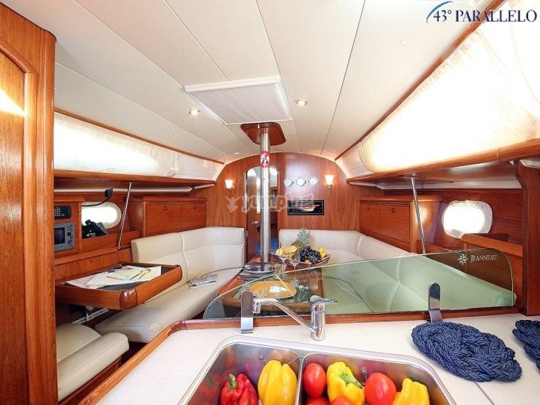 Sun Odyssey 35 - interni