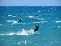 Corsi collettivi di kitesurf