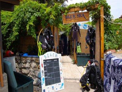 2 dives sz equipment in Taormina