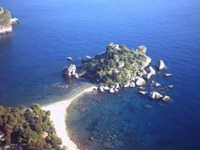 Pack 4 dives without equipment in Taormina