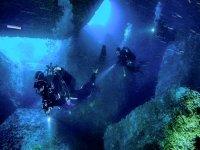 Nelle grotte