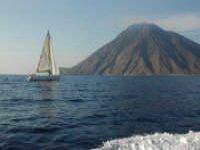 Cruises on a sailing boat