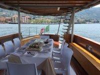 Pranzate a bordo con noi