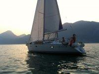 Sun Odyssey 33 al tramonto