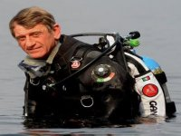 Diving with experts