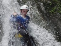 Calandosi dalla cascata