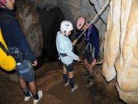 Entering nella grotta