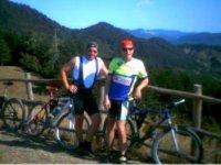 Una meritatissima pausa dopo l'escursione in mountain bike