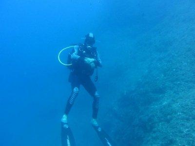 Immersione sub con attrezzatura. Taormina