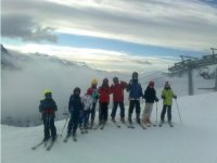 Ski lessons for children and teenagers