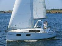 Oceanis 35 in navigazione