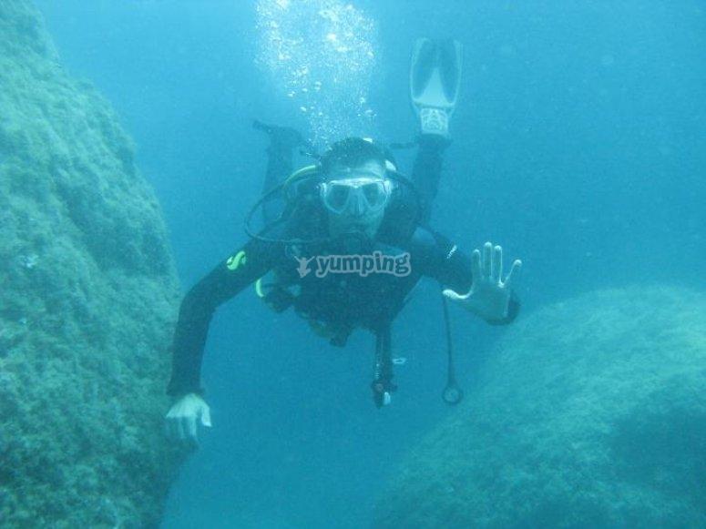 Safe diving / diver