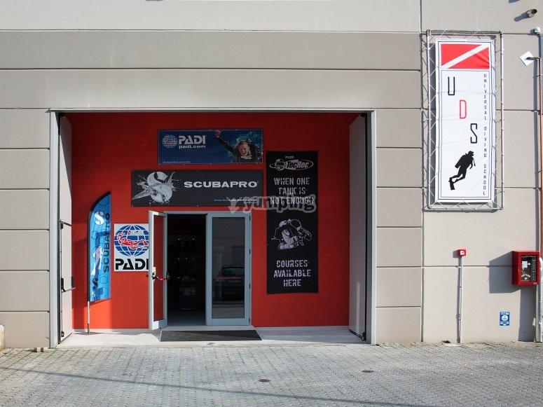 Como diving center
