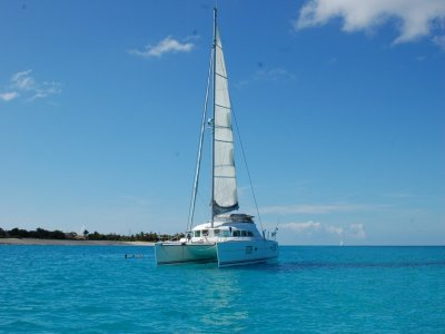 Blue Paradise Yacht Charter Escursione in Barca