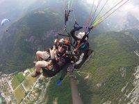 Paragliding in tandem