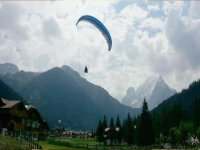 Fly paragliding in Val di Fassa