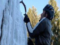 Scalare su ghiaccio
