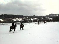A cavallo sulla neve in Abruzzo