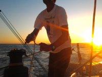 Navigare al tramonto
