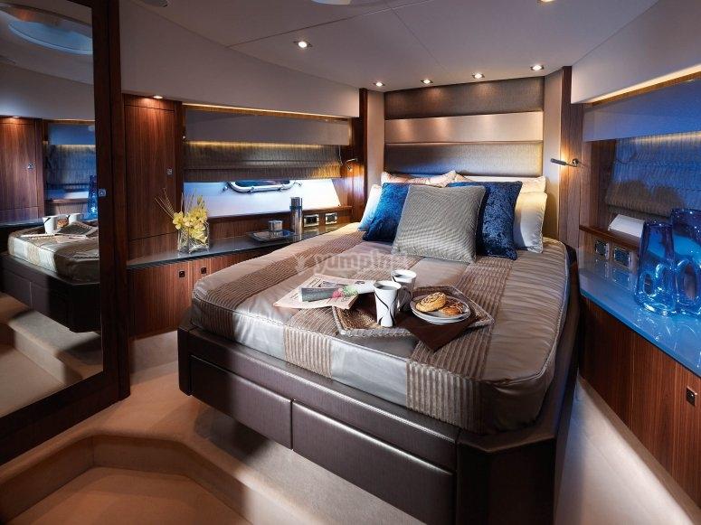 Serata in Yacht