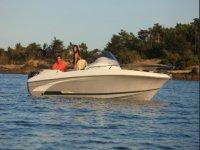 Noleggio imbarcazioni senza patente