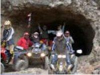 All'uscita di una grotta