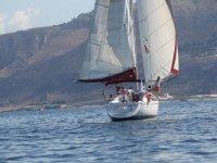 In barca con esperti velisti