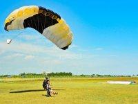 atterraggio del paracadute