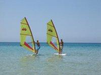 Noleggio windsurf (1h), Isola delle Femmine