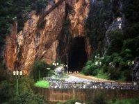 La Grotta Vista da Fuori
