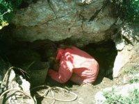 L'ingresso della grotta dell'Ortara