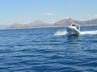 Solcando le onde del mar di Sicilia
